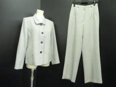 フローリッチのレディースパンツスーツ