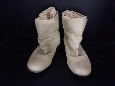 イシュイシュのブーツ