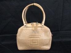 アヌークのハンドバッグ