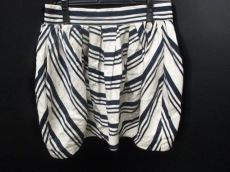 ボロンガロ トレヴァーのスカート