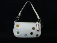 COACH(コーチ)のポルカドットデミポーチのハンドバッグ
