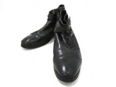 レッドカバーのブーツ