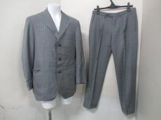 チフォネリのメンズスーツ