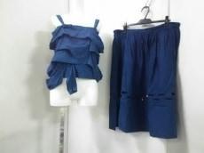 イッセイスポーツのスカートセットアップ
