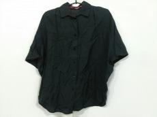 ショートカットフォーマークスのシャツブラウス