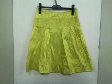 クララモンテのスカート
