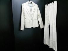 ラグジュエルのレディースパンツスーツ