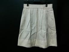 デビュードフィオレのスカート