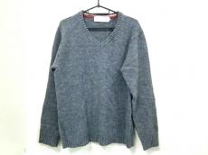 ユニバーサルユーティリティのセーター