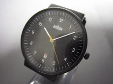 ブラウンの腕時計
