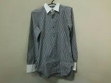 モンツキのシャツ