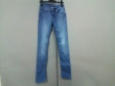 カミラアンドマークのジーンズ