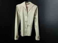 ウラ・ジョンソンのコート