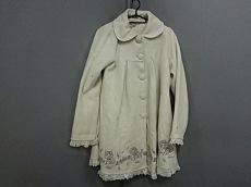 フリルのコート