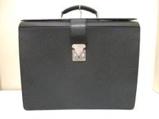 LOUIS VUITTON(ルイヴィトン)のピロットケース・ウラルのビジネスバッグ