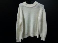 ルラティブマンのセーター