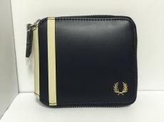 FRED PERRY(フレッドペリー)/2つ折り財布