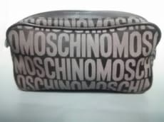 MOSCHINO(モスキーノ)のポーチ