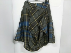 キューブキューブのスカート