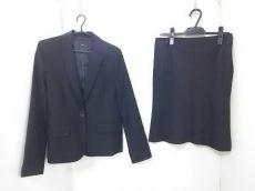 ジョリーロイのスカートスーツ