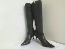 アレクサンドラニールのブーツ
