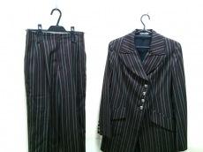 ミスアリスのレディースパンツスーツ