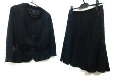 アックス(ロートレアモン)のスカートスーツ