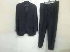 グアベロのメンズスーツ