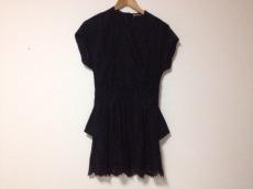 バレンシアガのドレス