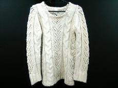 キーラのセーター