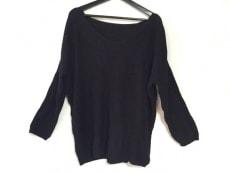 キャメロンレイシーのセーター