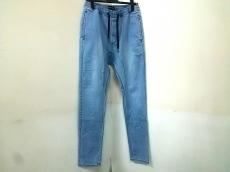 ゼインローブのジーンズ