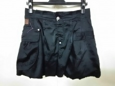 ビュローデファンテジストのスカート