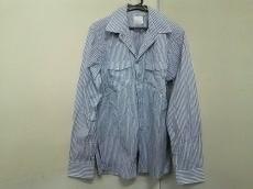 リーバイスフェノムのシャツ