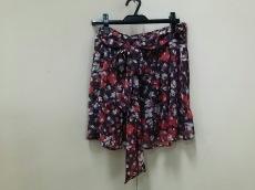 ファビュラスクローゼットのスカート