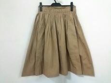 アピースアパートのスカート