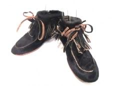 アニエルのブーツ