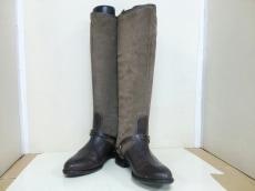 ファビアネッリのブーツ