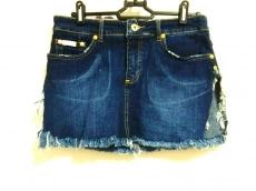ベイビーファットのスカート