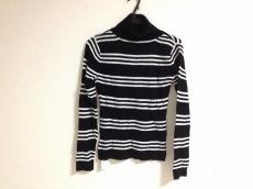 リゼクシーのセーター