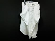 フリーマドンナのスカート