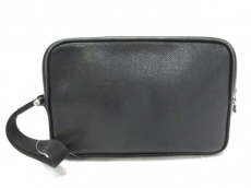 LOUIS VUITTON(ルイヴィトン)のカルガのセカンドバッグ
