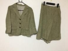 エゼピュイのスカートスーツ