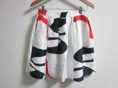 ラウルのスカート