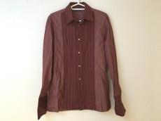 ジョンバルベイトス.のシャツ