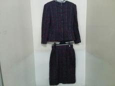 オックスフォードのスカートスーツ