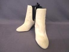 メグミ オチのブーツ