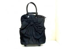 トゥービーシックのキャリーバッグ