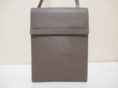 LOUIS VUITTON(ルイヴィトン)のラマチュエルのショルダーバッグ