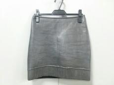 ムーバーのスカート